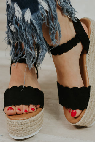 {Last Chance} Emma Platform Sandals ~ Black