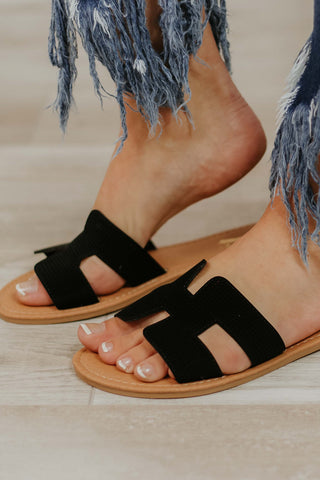 {Last Chance} Honey Summer Flat Sandals ~ Black