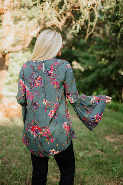 *NEW* Danielle Caged V-Neck Floral Top ~ Hunter Green - ShopBeYouBoutique