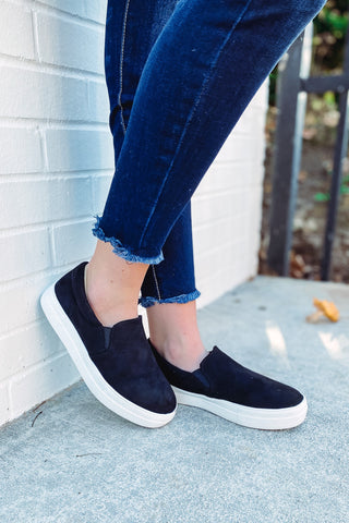 *NEW* Hike Black Slip On Sneakers