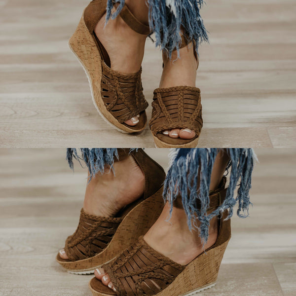 {Last Chance} Not Rated Joy To All Wedges ~ Tan