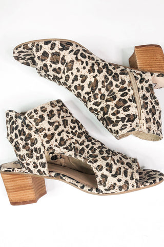 *New* Not Rated Anna Open Toe Bootie ~ Leopard