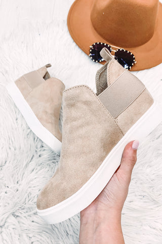 *NEW* Diana Taupe Wedge Sneaker