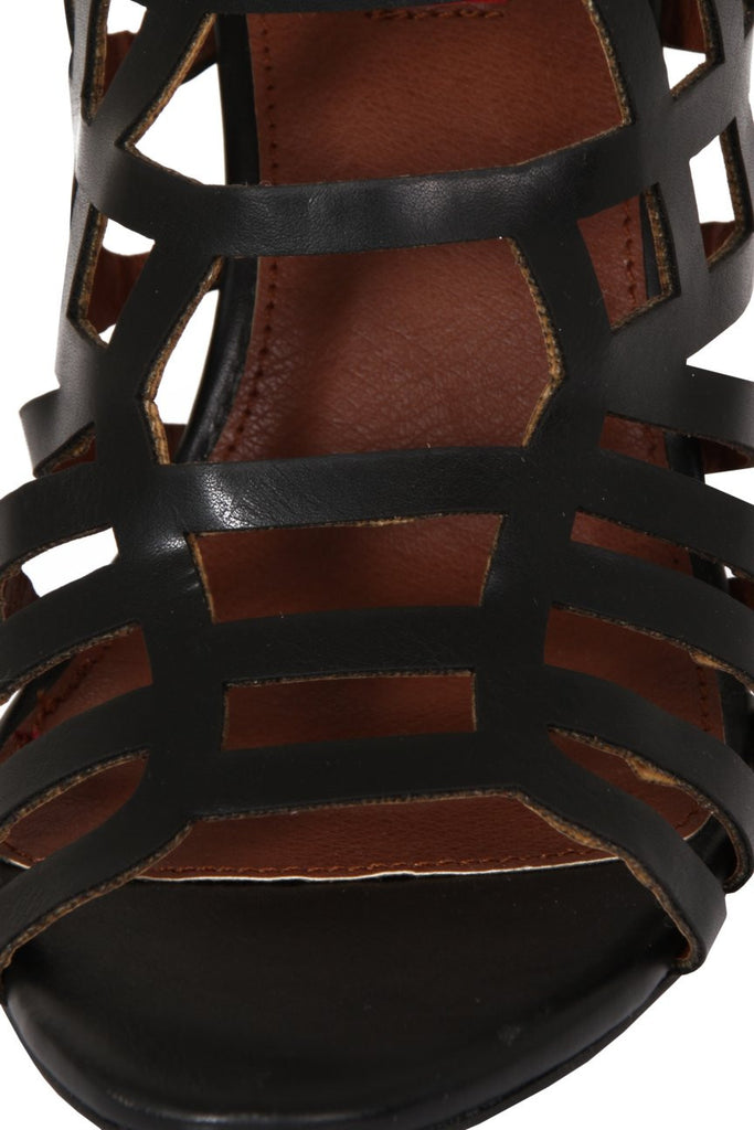 London Rebel | Veronica Black Gladiator Sandals | Close Up