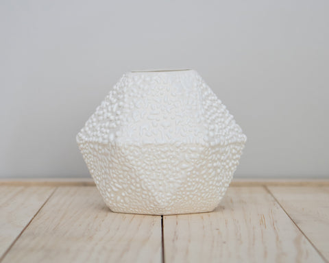 Geometric Short Bud Vase White Crawl