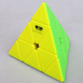 QiYi Pyraminx Qiming A (Sin pegatinas / Stickerless)