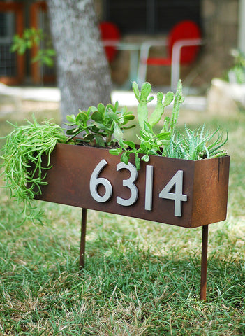 Piedmont Planter & Yard Sign