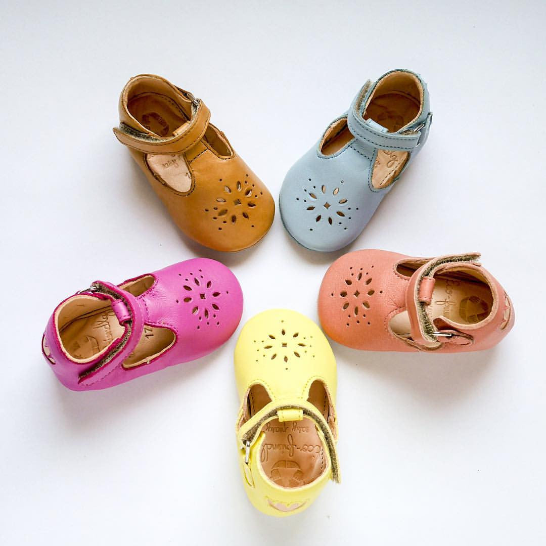 Easy Peasy Eco-friendly children's shoes. Pre-walkers. Early Walkers. Munchkin et Moi