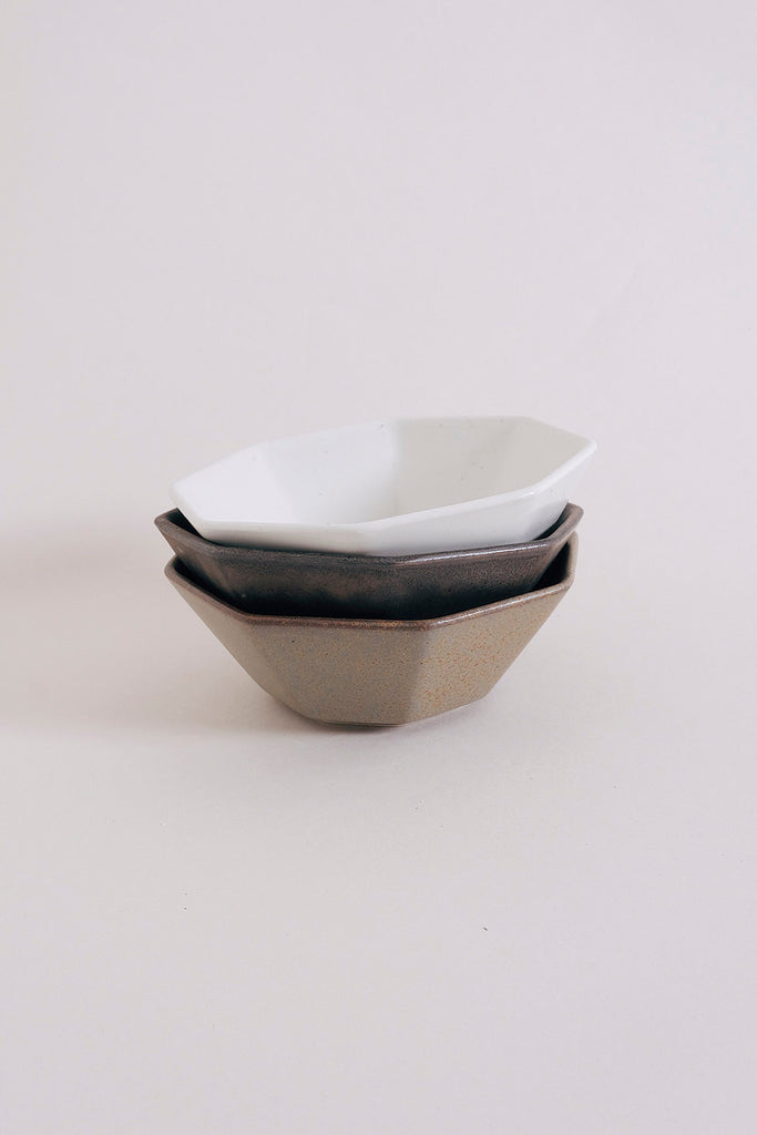 Ancient Pottery Bowl – Brown