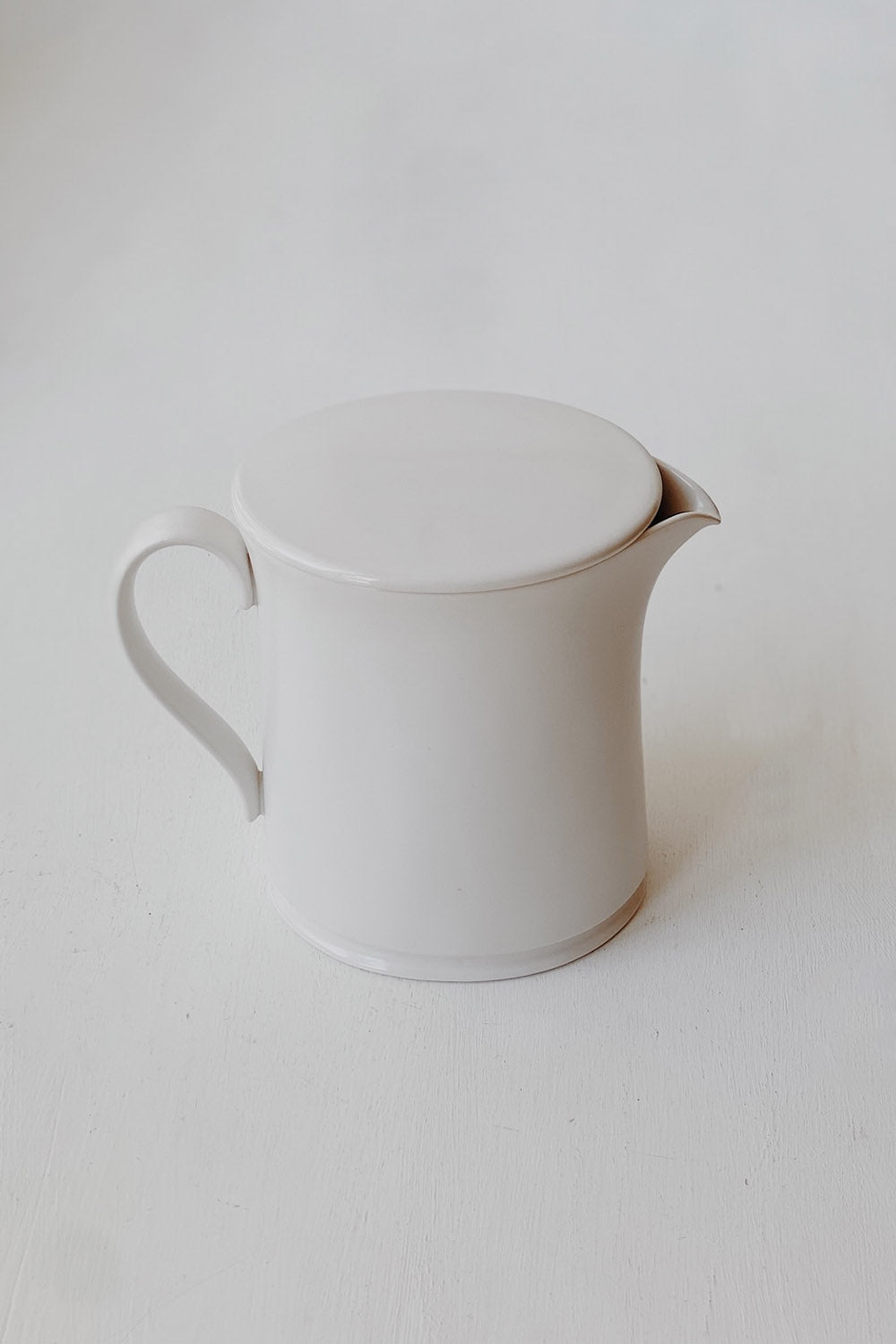Jicon Pitcher with Lid