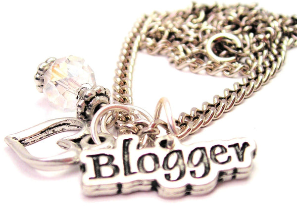 Blogger Necklace with Small Heart