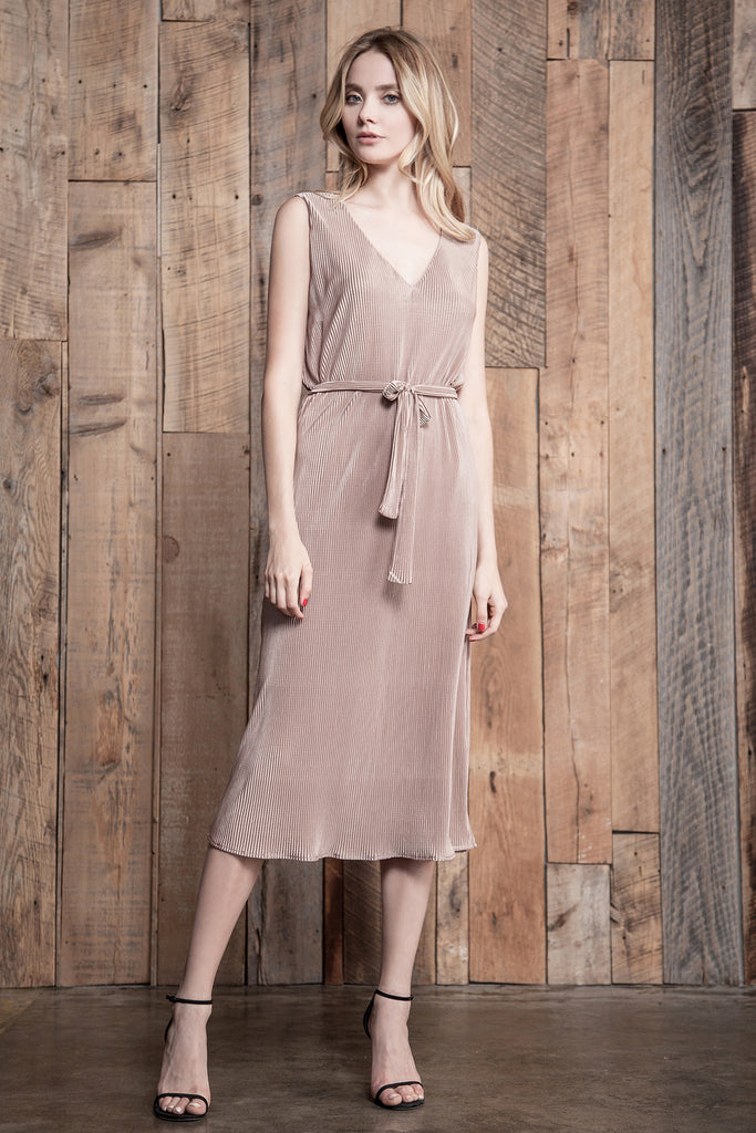 LOW V NECK SHEATH DRESS WITH WAIST TIE