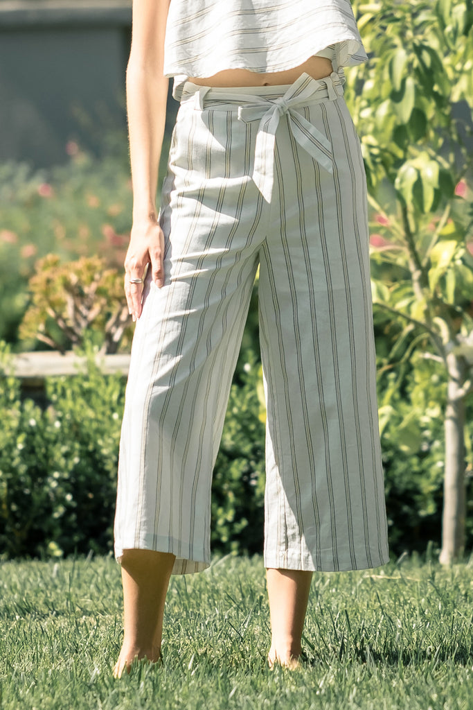 STRIPE WIDE LEG CROP PANTS