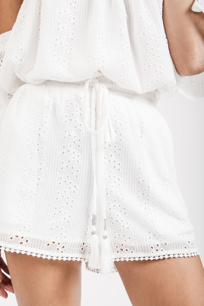 EMBROIDERY EYELET SHORT