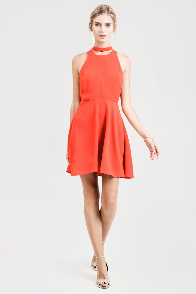 SLEEVELESS FLARE DRESS WITH NECK BAND