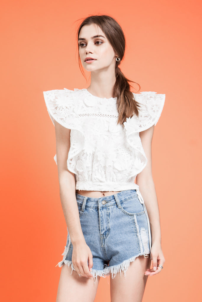 RUFFLE SLEEVE LACE CROP TOP