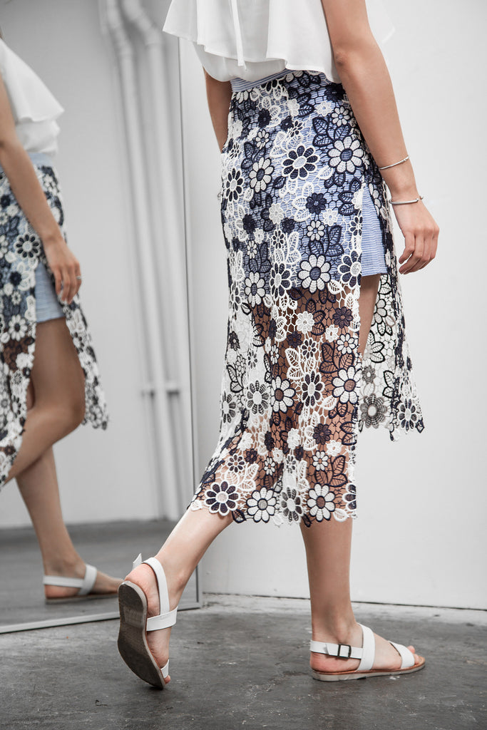 LAYERED FLOWER LACE SKIRT