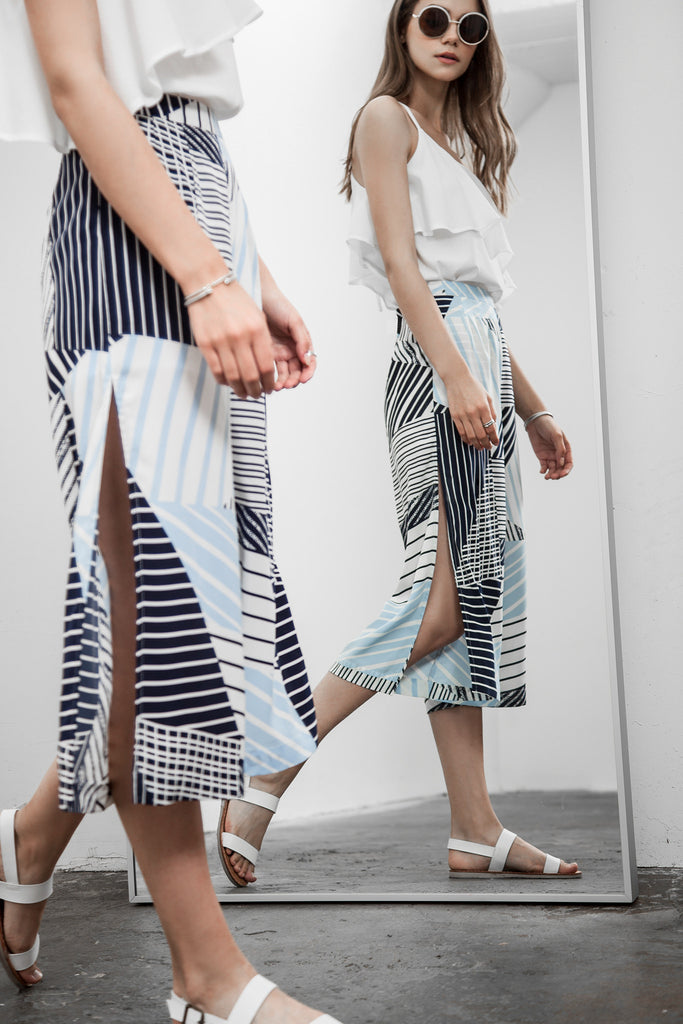 ENGINEERED STRIPE PRINT SIDE SLITS WIDE LEG PANTS