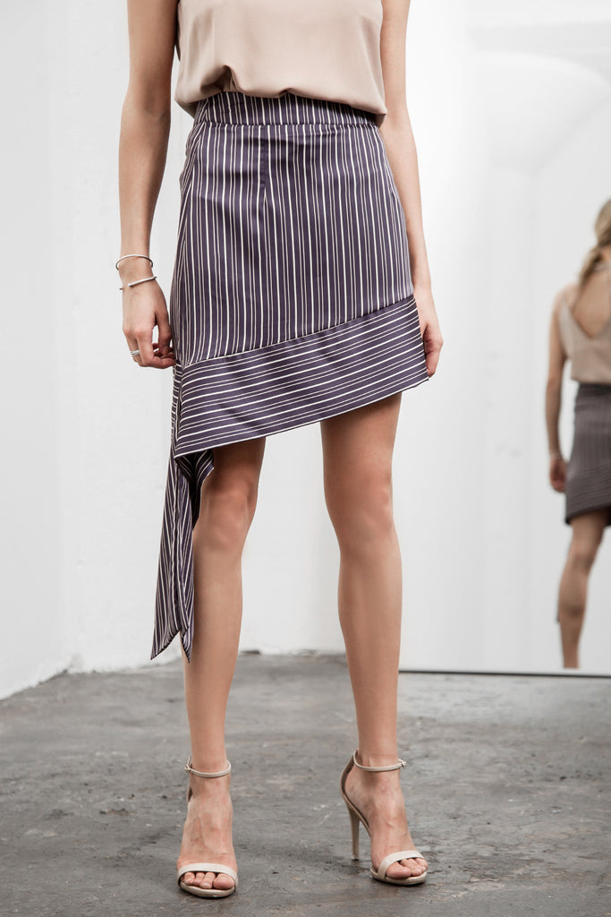 ASYMMETRICAL HEM STRIPE SKIRT