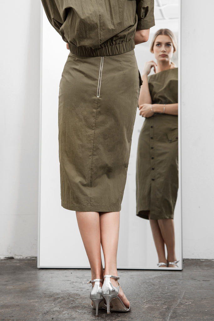 ASYMMETRIC HEM FITTED SKIRT