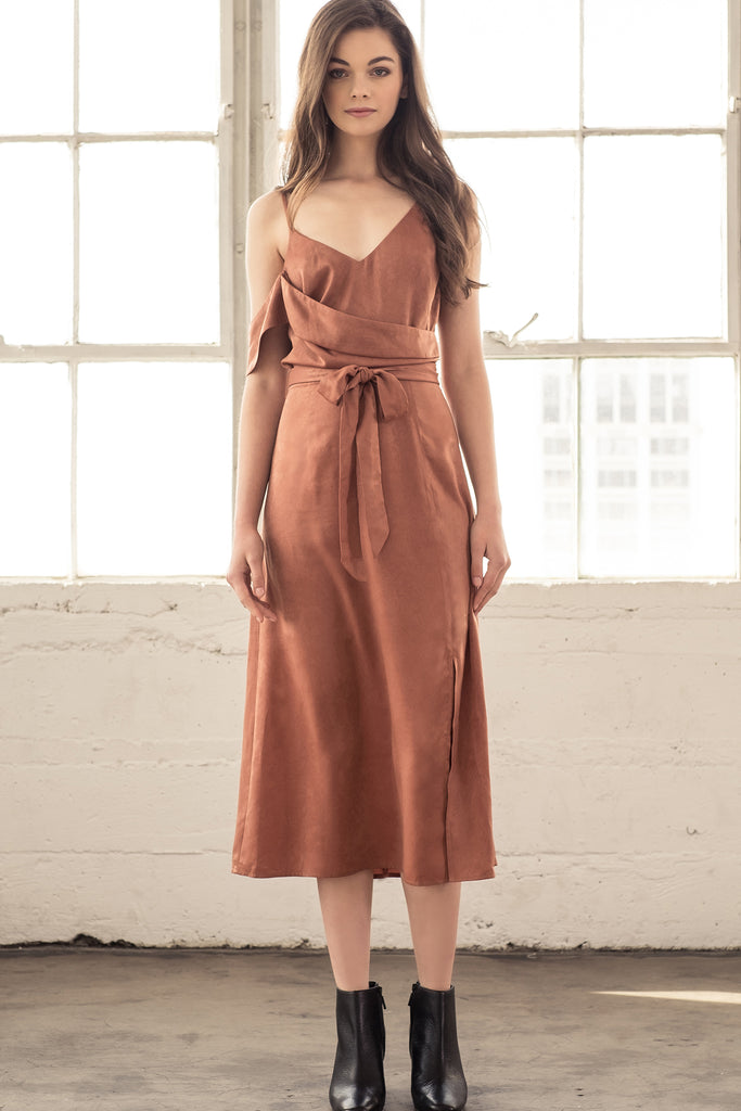 ONE SIDE COLD SHOULDER MIDI DRESS