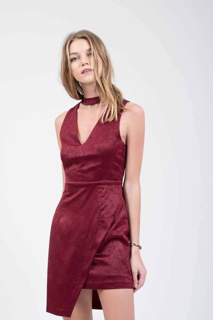ASYMMETRIC HEM CHOKER NECK DRESS