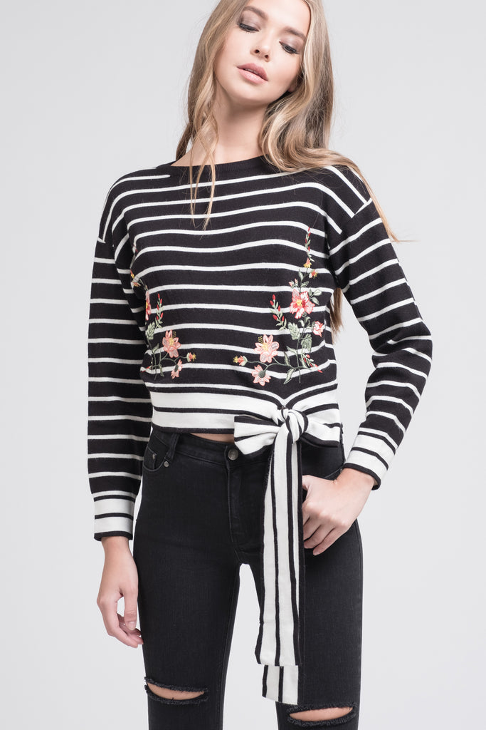EMBROIDERED WAIST TIE KNIT TOP