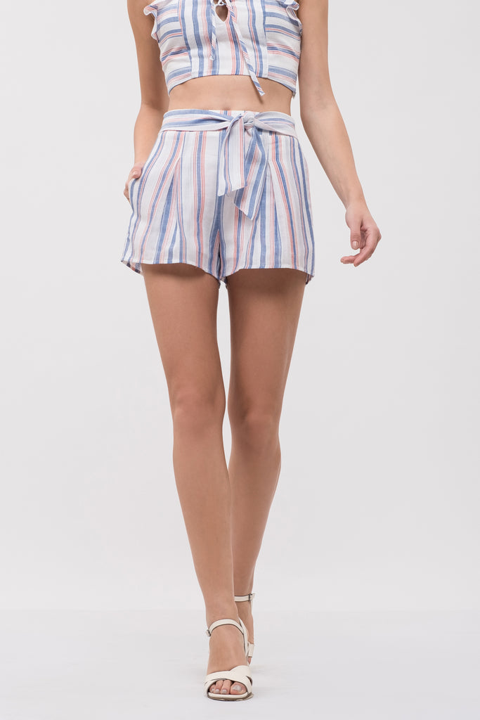PLEATED SHORT WITH WAIST TIE