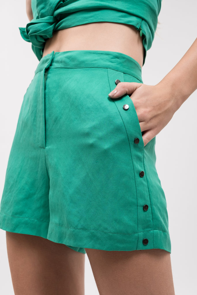 HIGH WAIST SHORT WITH SIDE STUDS