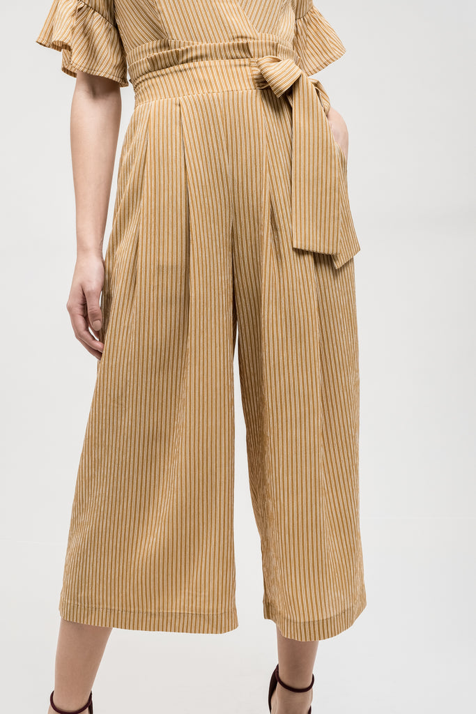 SIDE TIE PLEATED WIDE LEG PANT