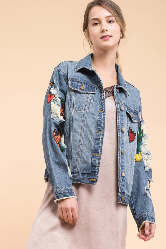 EVIDNT PATCH DETAILED DESTROYED DENIM JACKET