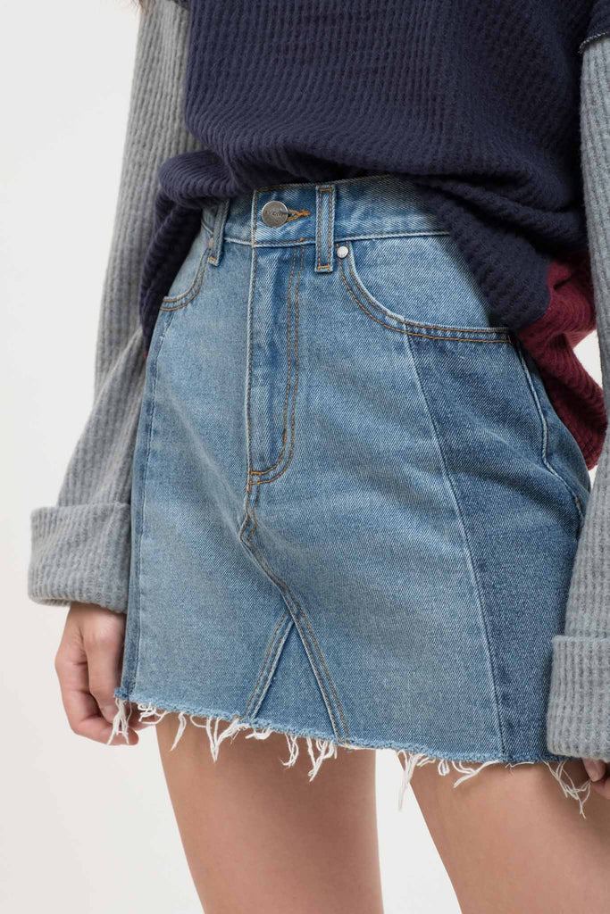 EVIDNT TWO BLOCK WASHED MINI DENIM SKIRT