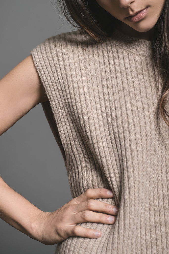 SLEEVELESS MIDI SWEATER DRESS WITH SIDE SLITS