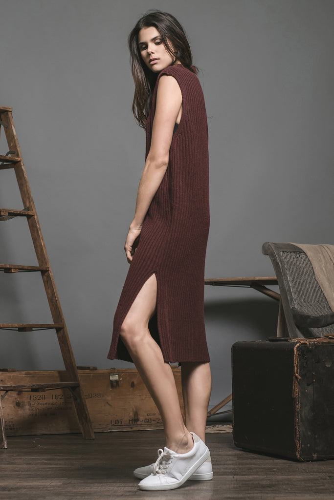 SLEEVELESS MIDI SWEATER DRESS WITH SIDE SLIT