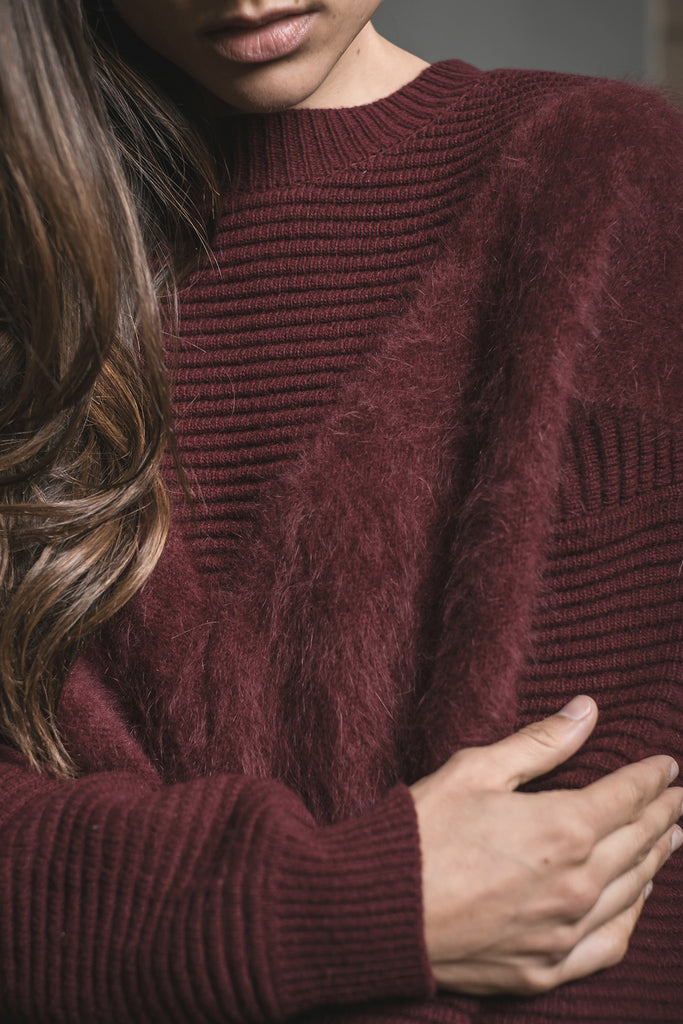 BURGUNDY FUZZY DETAIL KNIT SWEATER