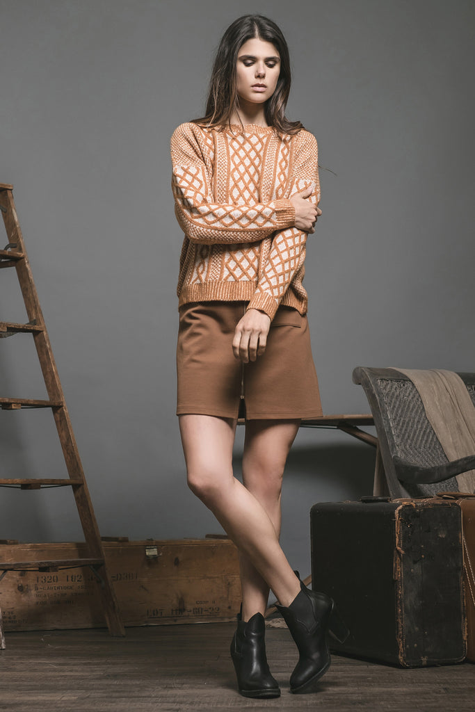 LONG SLEEVE RUST CONTRAST CABLE KNIT SWEATER