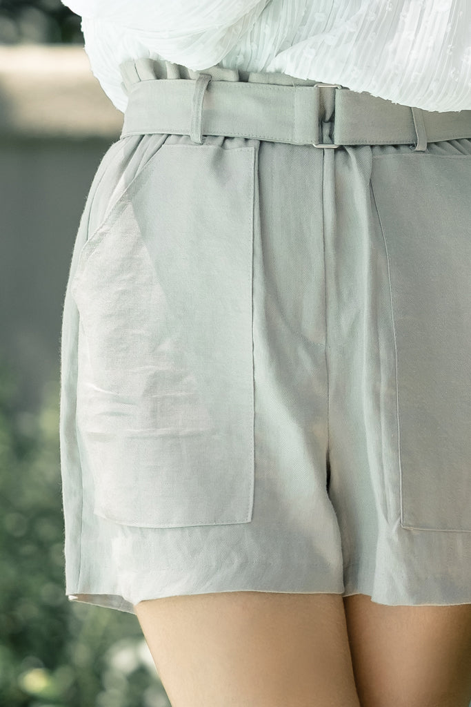 PATCH POCKET LINEN SHORT WITH WAISTBAND
