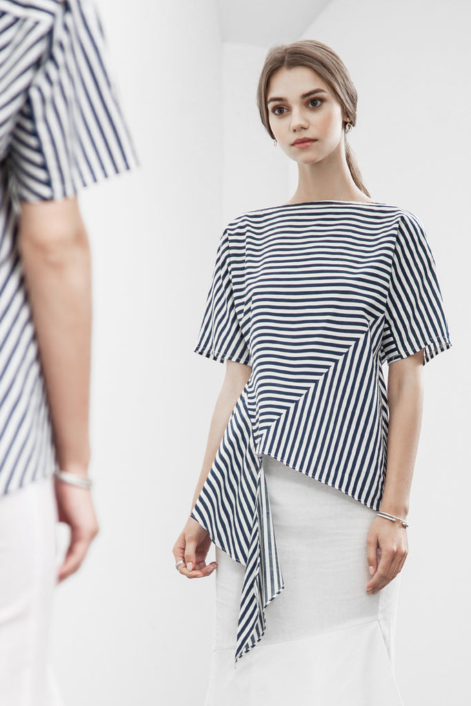 ASYMMETRIC HEM STRIPE TOP
