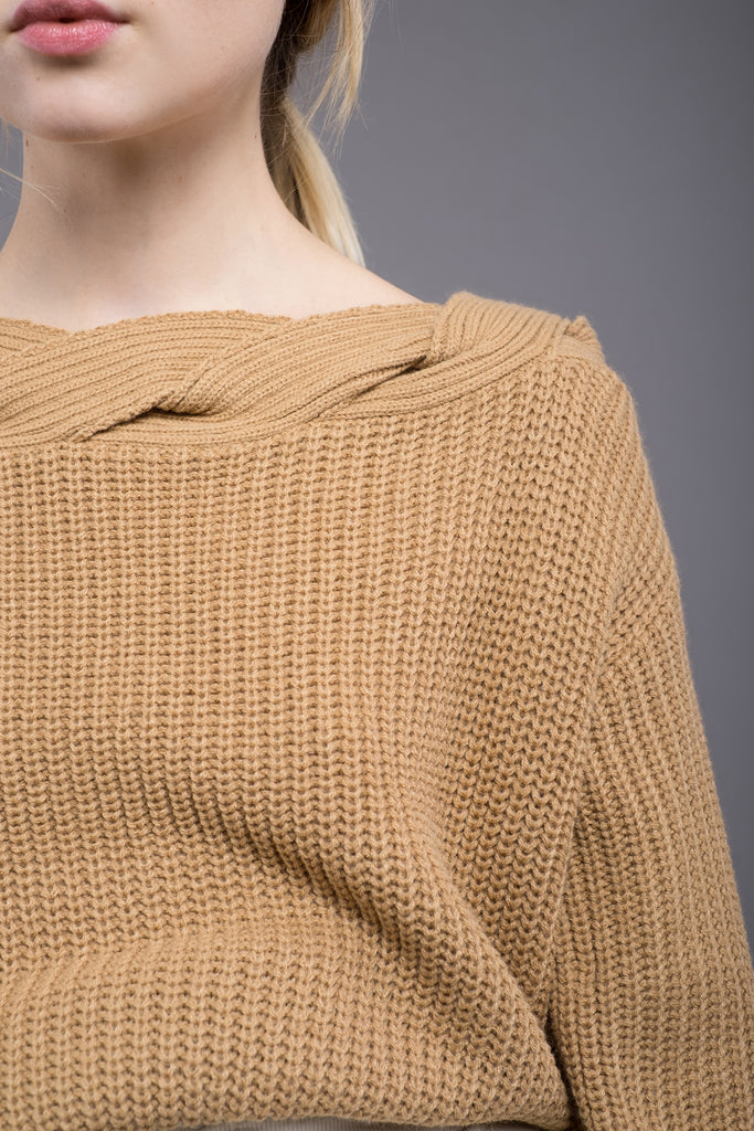 BROWN TWISTED COLD SHOULDER SWEATER