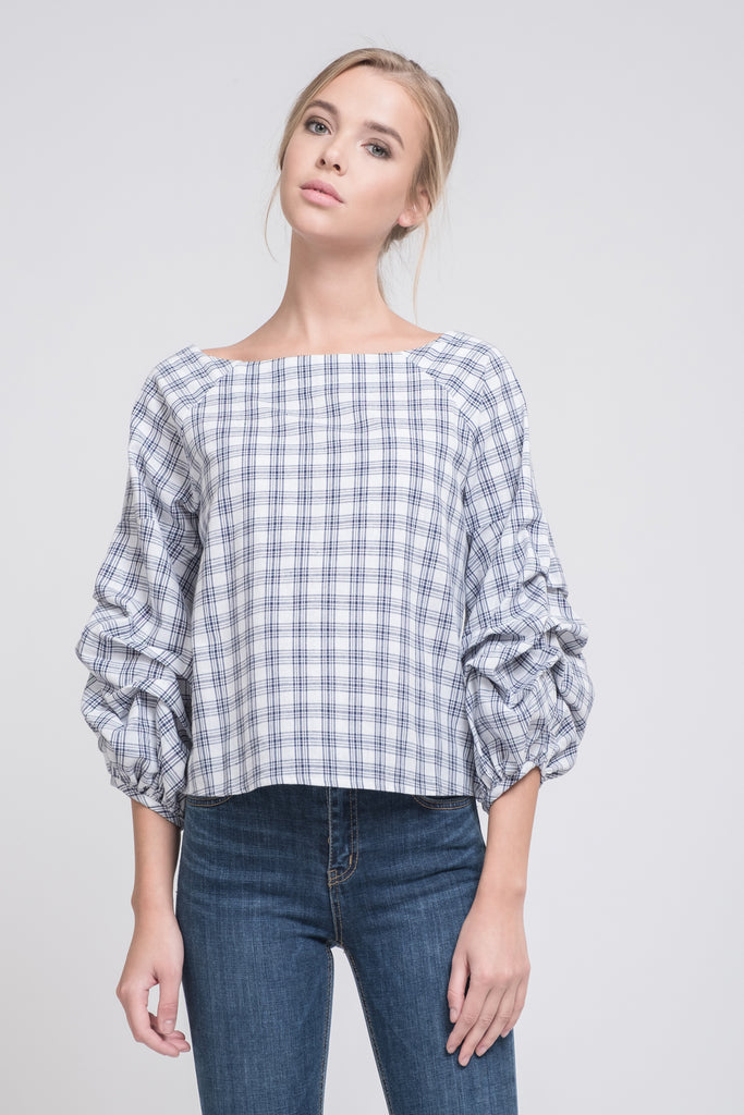 TIERED SLEEVE WIDE NECK TOP