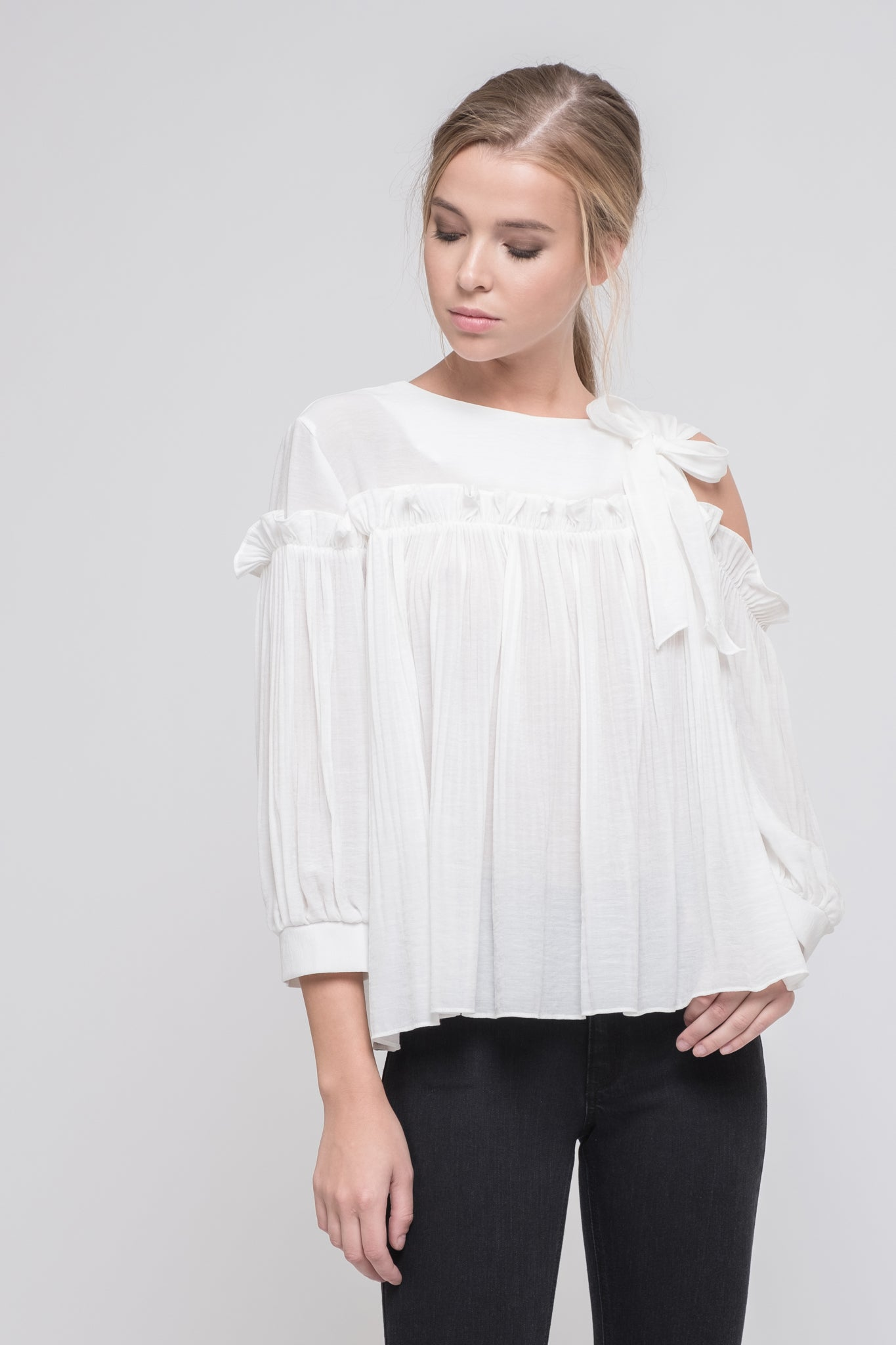 6b5bca6ef1e 3 4 SLEEVE SINGLE SIDE COLD SHOULDER TOP