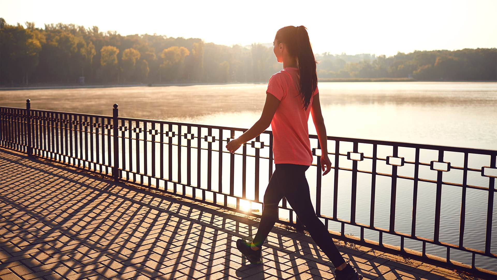 walking to reduce bloating