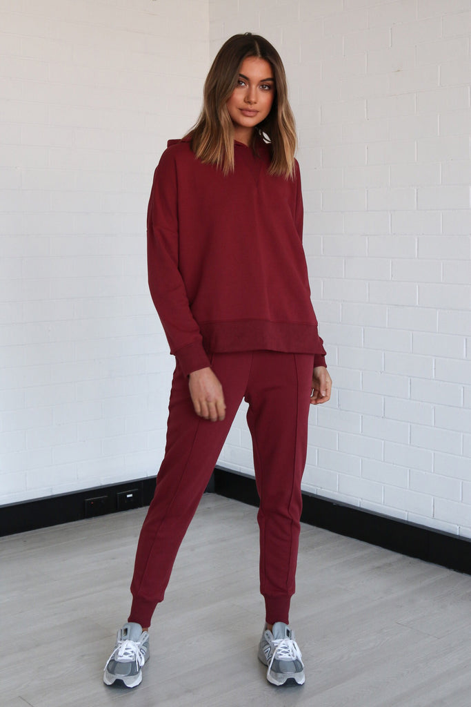 Billie Joggers | Wine