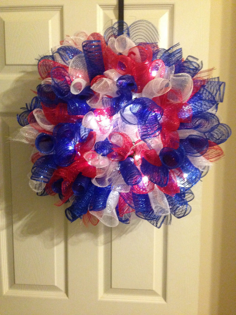 Red, White, & Blue Curly Patriotic Wreath w/Lights