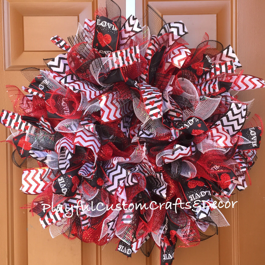 Black & Red Heart Valentine's Day Wreath