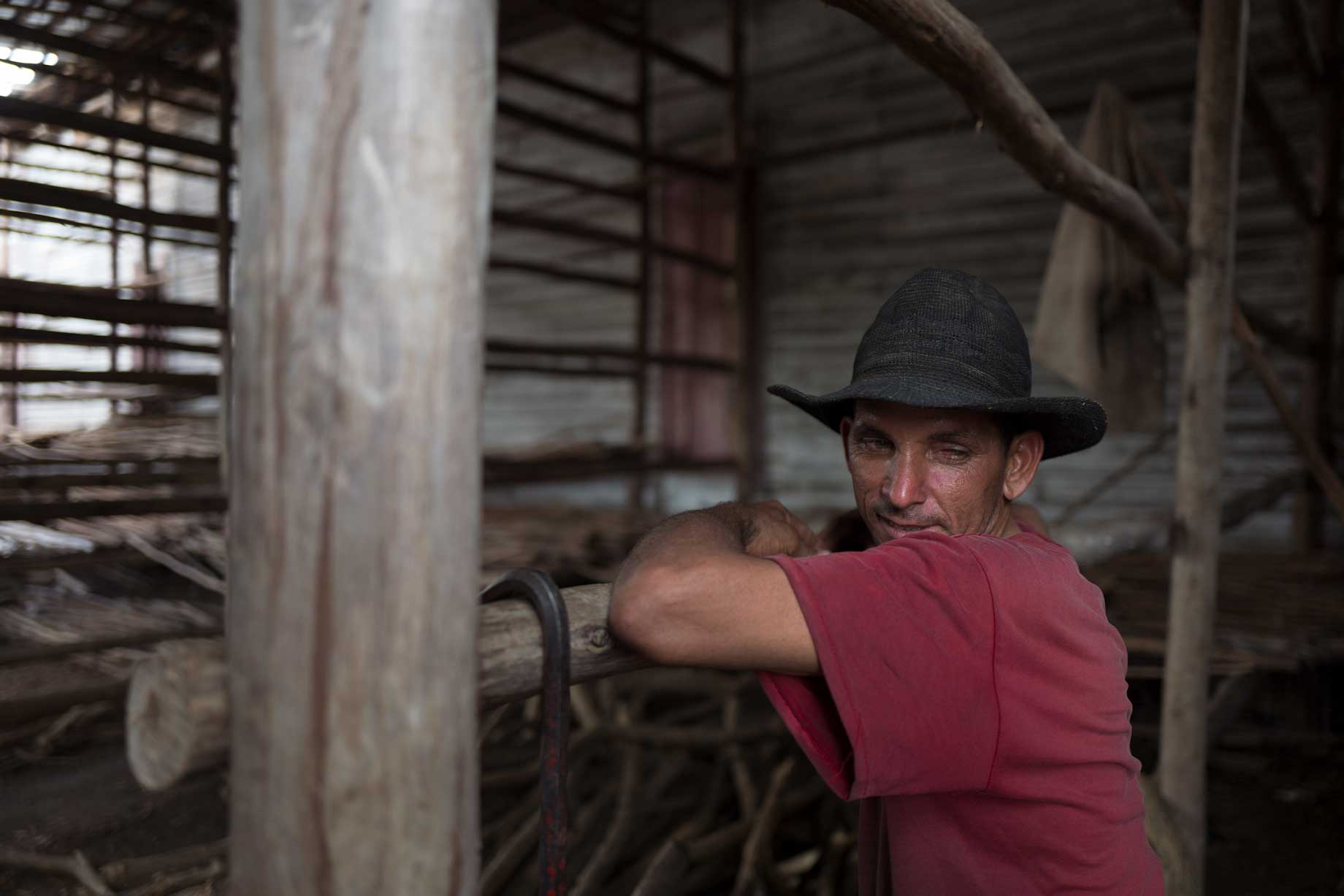 Robaina Tobacco Farm Worker | Stories + Objects Online Travel Magazine
