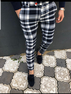Black & white medium plaid pants