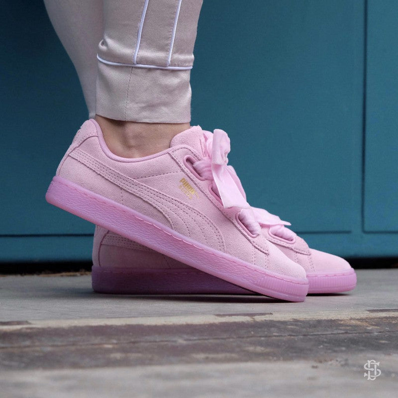 new arrival 4492f f96c0 Puma Suede Heart Reset