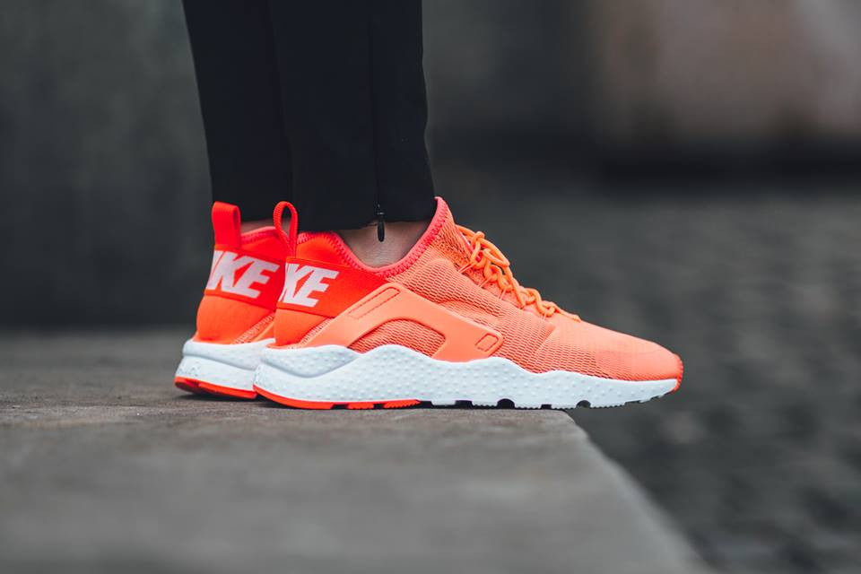 air huarache run mid womens Orange