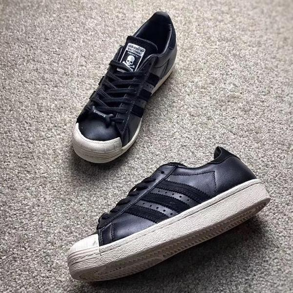 "Mastermind JAPAN x Superstar 80s ""Black/White"""